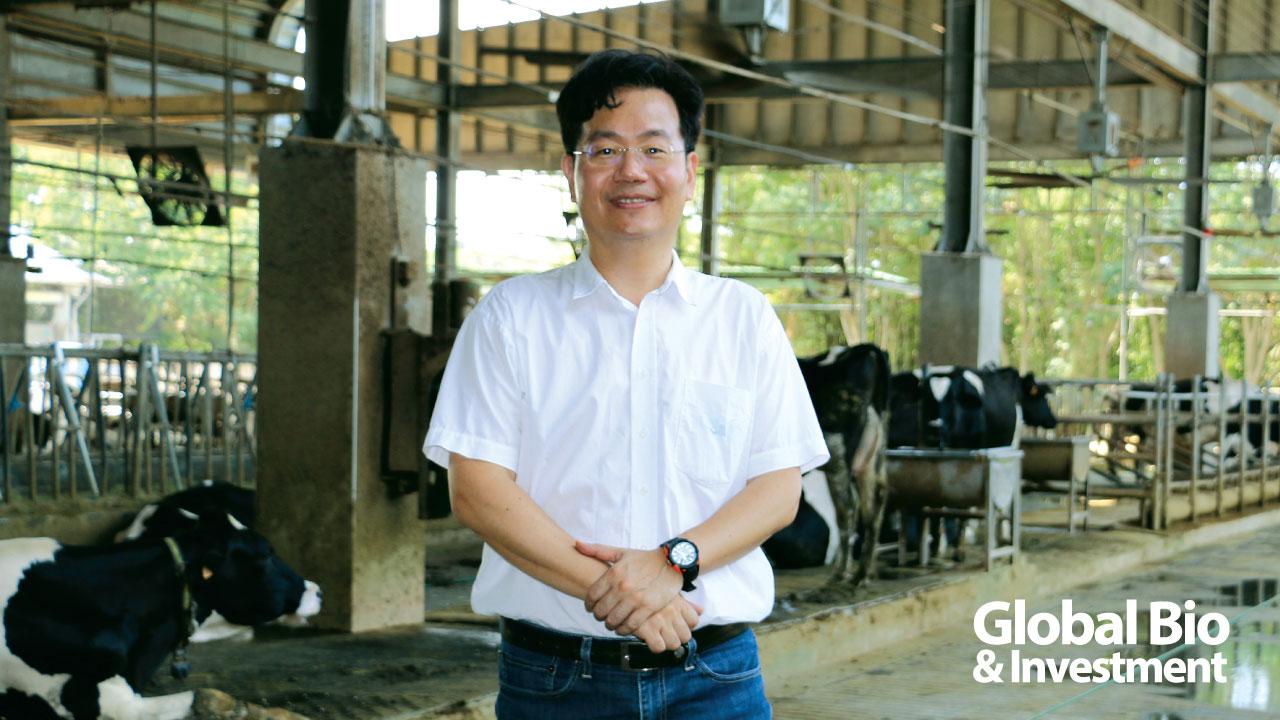 李國華表示,乳牛疾病問題是酪農最大的痛,而臺灣大動物獸醫師卻不足30位,極度饋乏。